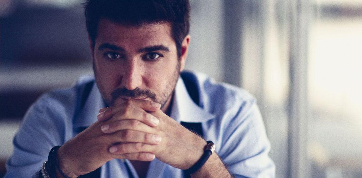 Dos orillas nuevo álbum de Antonio Orozco · wall_big_concierto_de_antonio_orozco_en_el_auditorio_fibes_de_sevilla. ' - Antonio-Orozco11